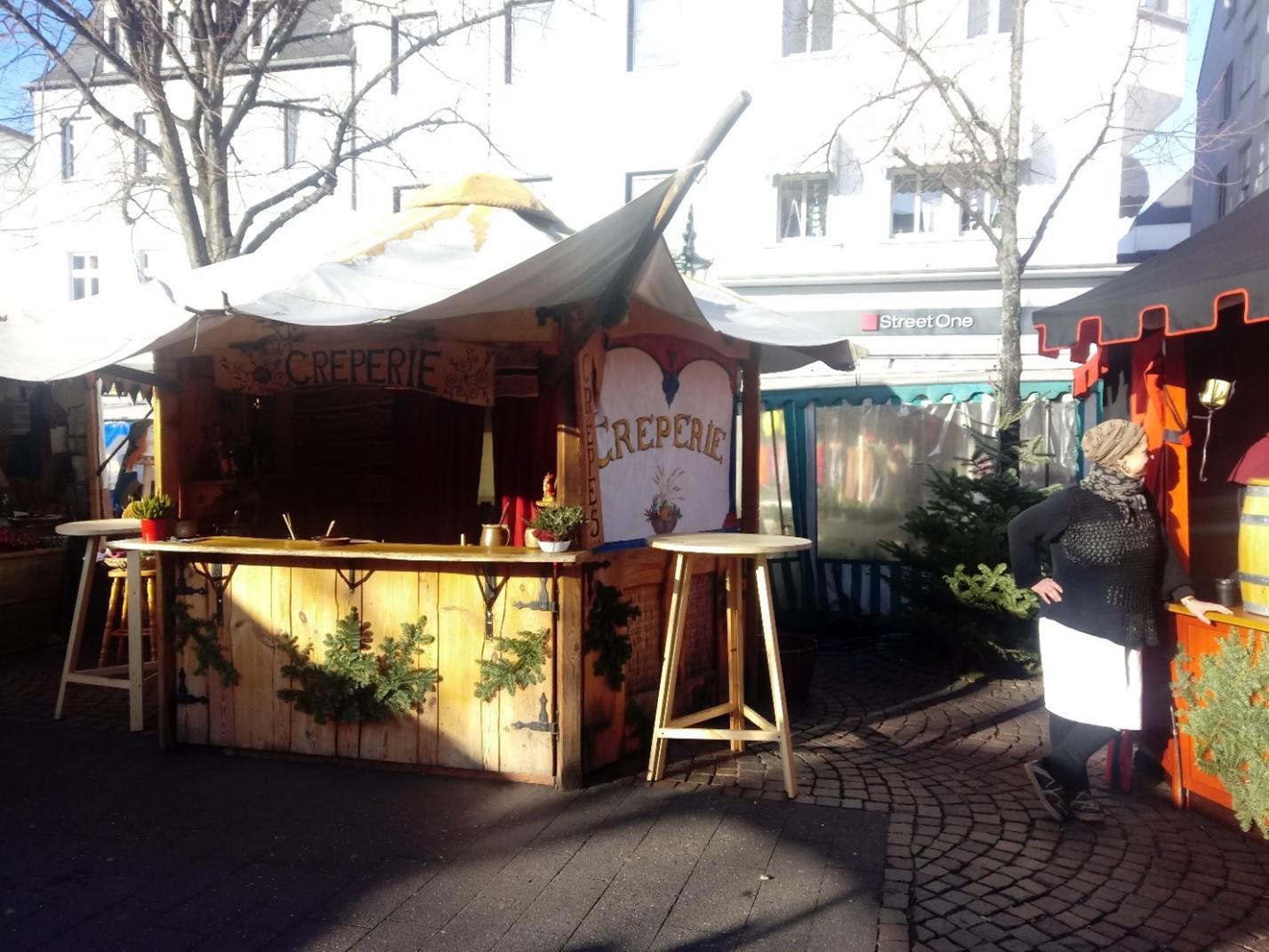 Crêpes Stand auf dem Weihnachtsmarkt