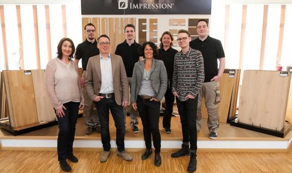 Das Bild zeigt das Team von Besser Parkett in Siegburg