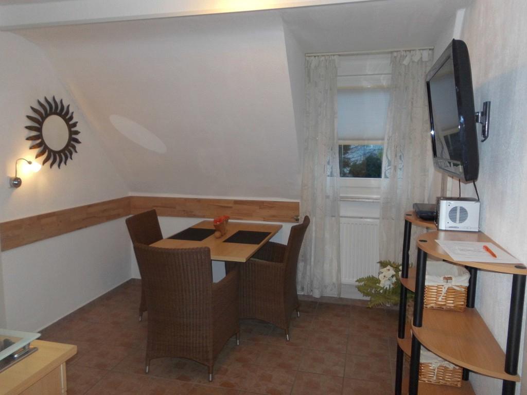 Das Bild zeigt die Räumlichkeiten das Appartements Burgemeister in Siegburg