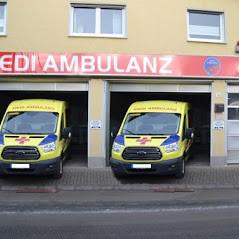 Das Bild zeigt zwei Krankentransportfahrzeuge der MEDI Ambulanz Bonn/Rhein-Sieg