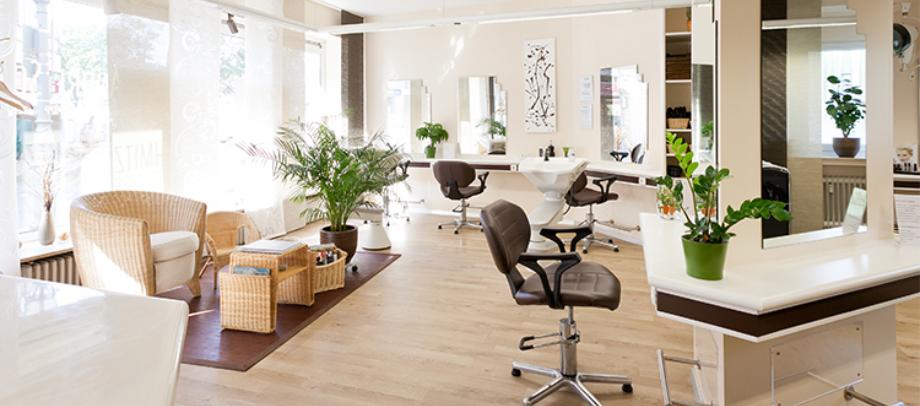 Das Bild zeigt den Friseursalon vom Friseurteam André Schmitz von innen