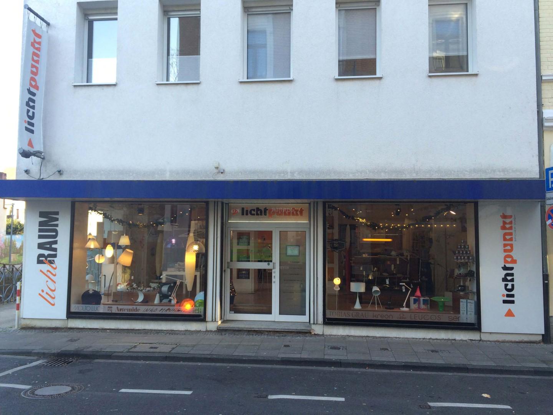 Das Bild zeigt das Ladenlokal der Lichtpunkt Spicher GmbH von außen