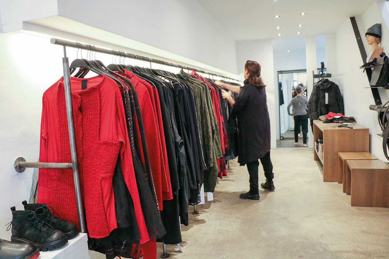 Das Bild zeigt die Modewerkstatt Birgitta Bachem von innen