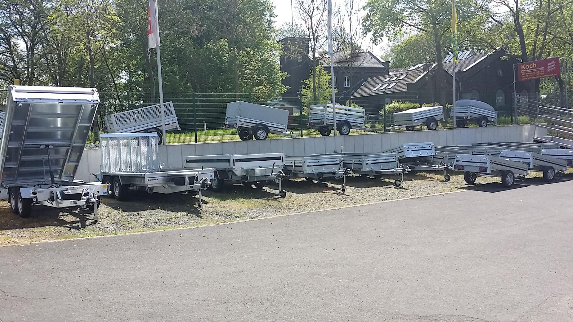 Das Bild zeigt einigige Anhänger der Koch PKW-Anhänger GmbH