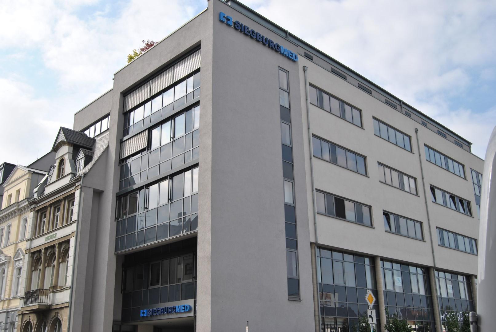 Das Bild zeigt das Siegburger Facharztzentrum von außen