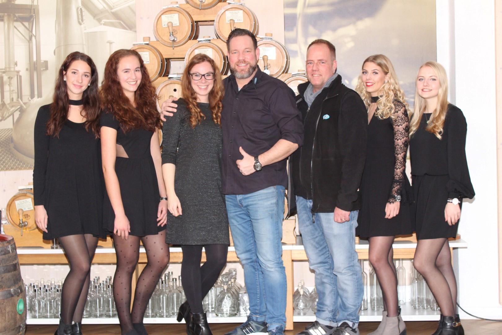 Das Bild zeigt das Team vomFASS Siegburg