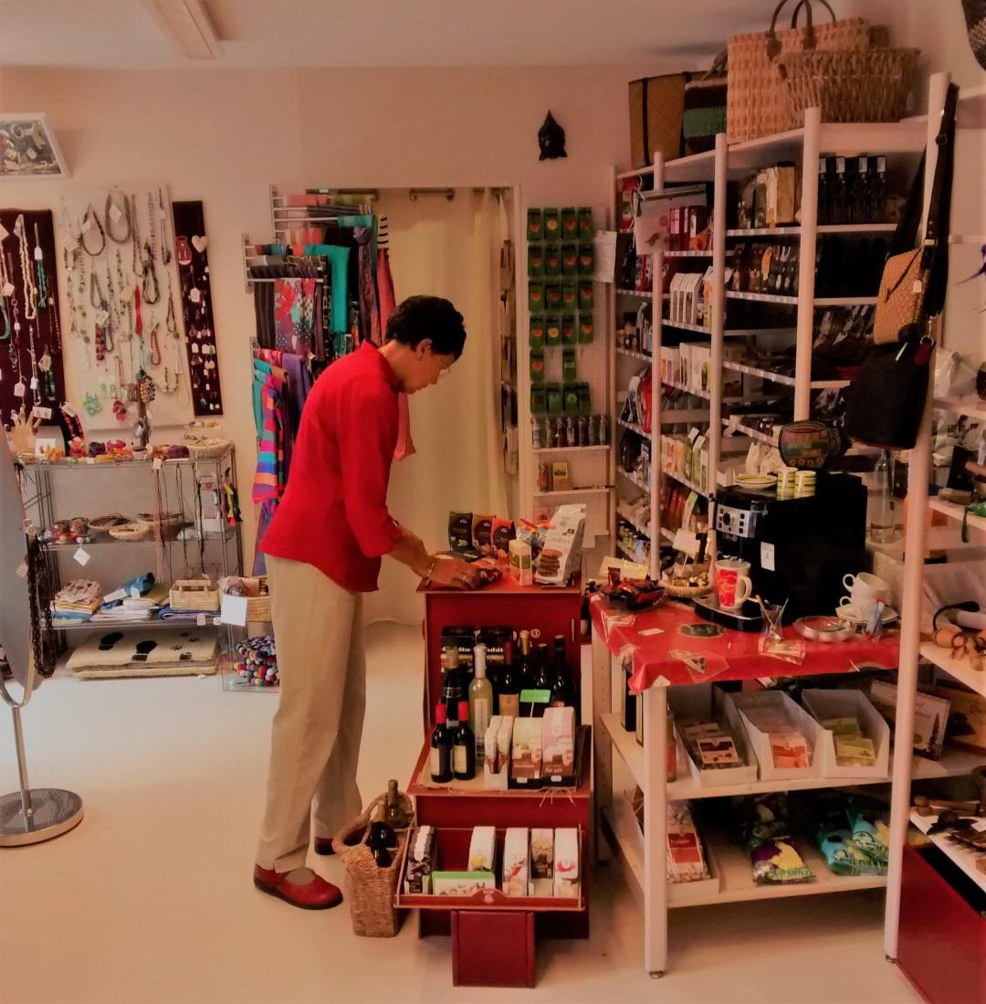 Das Bild zeigt den Verkaufsraum vom Eine-Welt-Markt in Siegburg