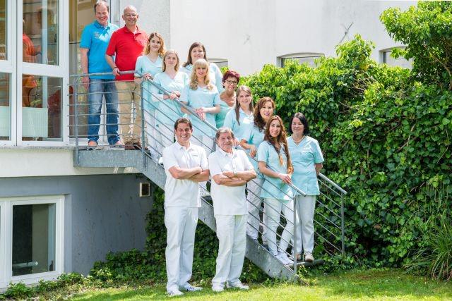 Das Bild zeigt das Team der Zahnarztpraxis Dr. Haske