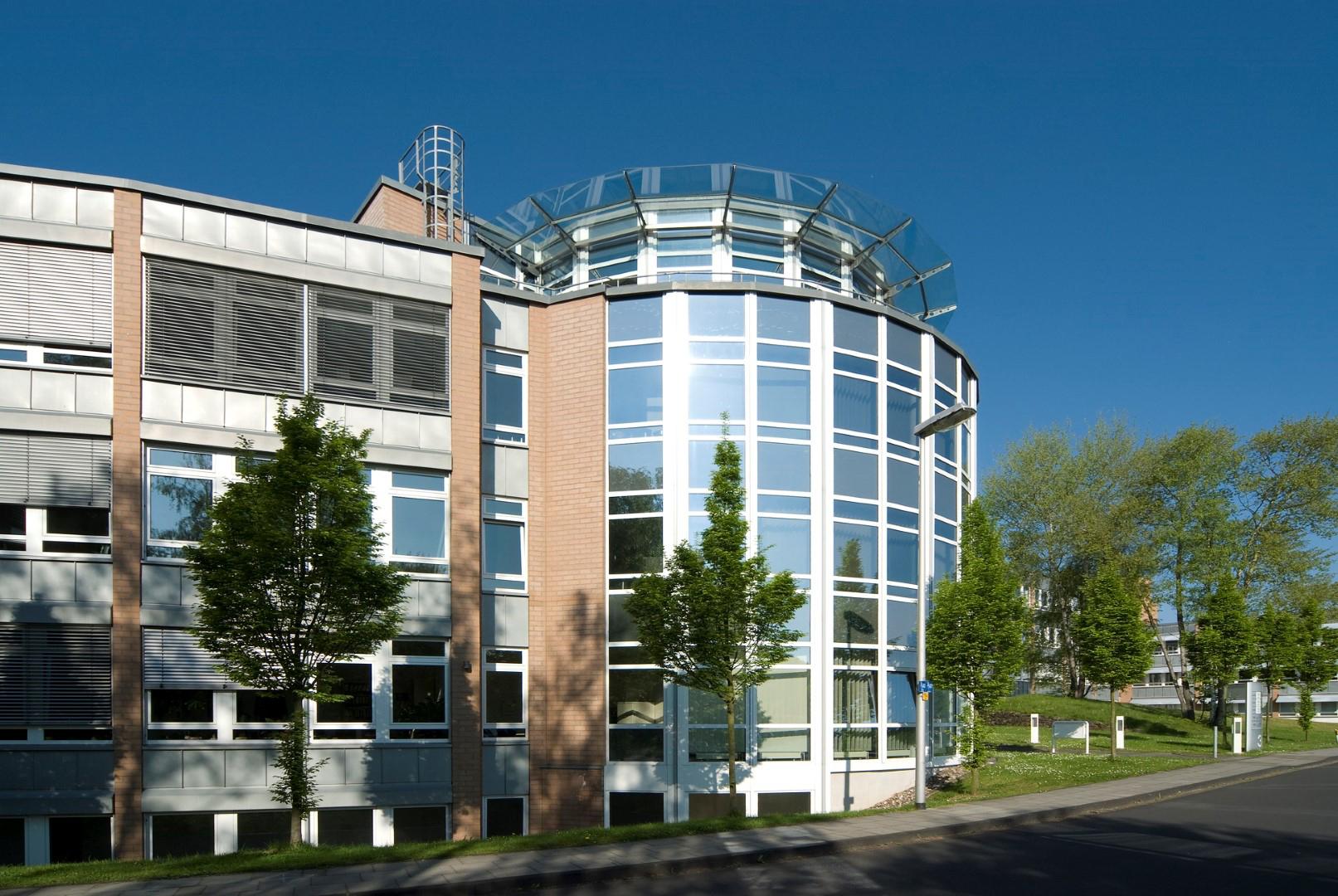 Das Bild zeigt das Geschäftsgebäude der Medisize Deutschland GmbH