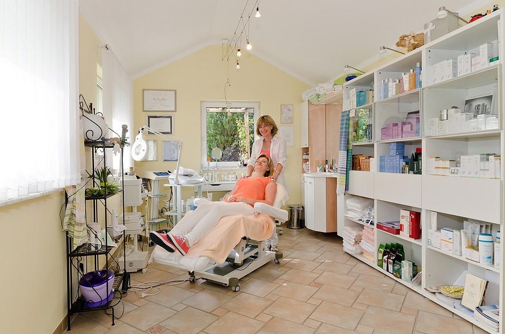 Das Bild zeigt den Innenbereich vom Kosmetikinstitut Zeitlos Karin Achnitz