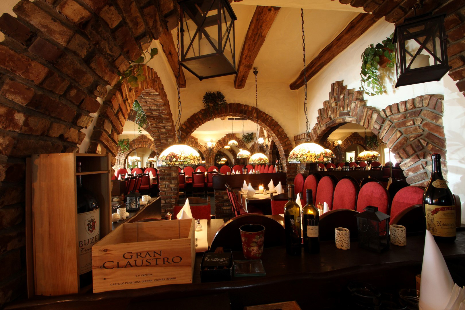 Auf dem Bild ist der Innenbereich vom Restaurant Peperoni zu sehen