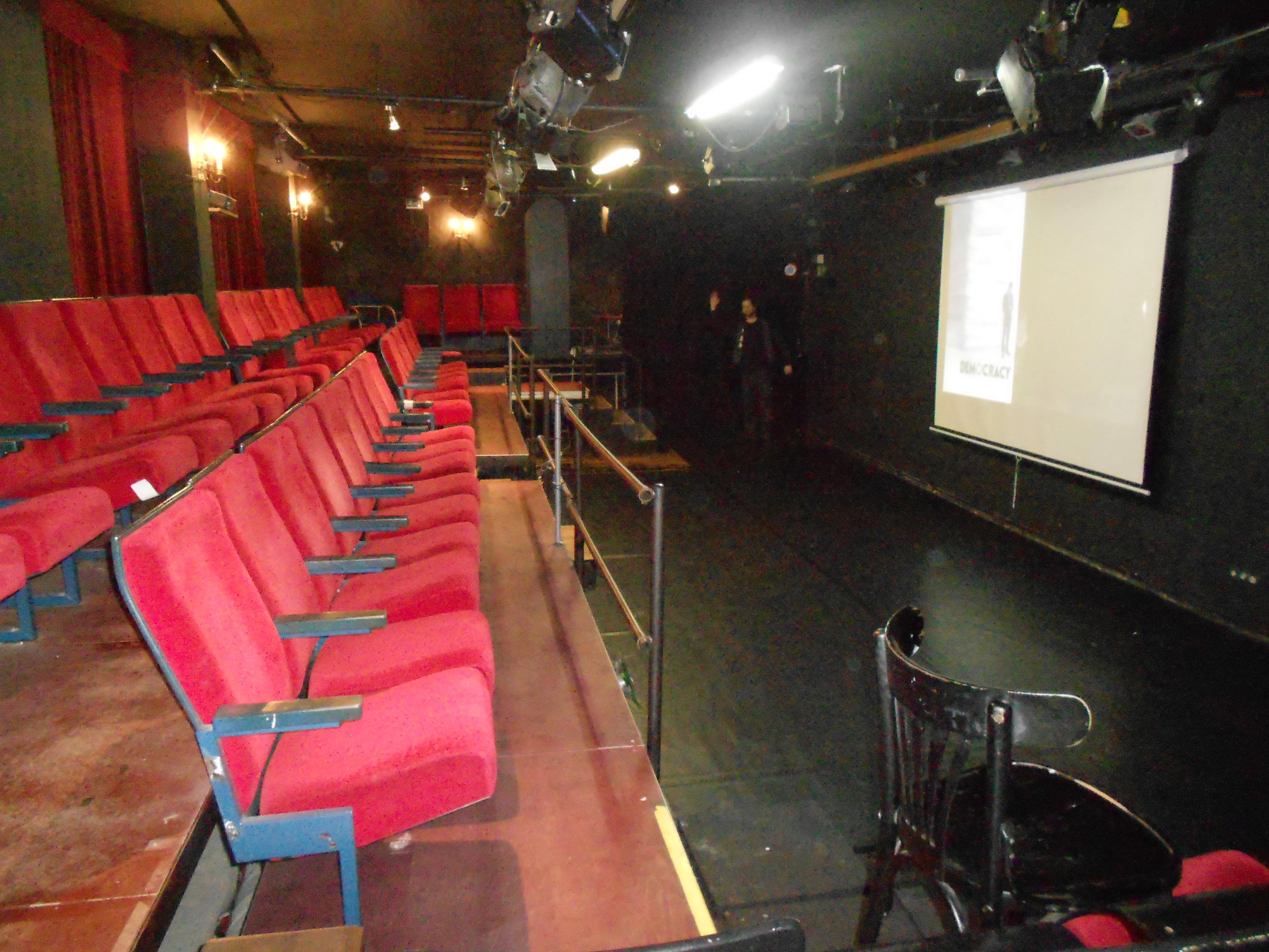 Das Bild zeigt eine Innenaufnahme der Studiobühne Siegburg