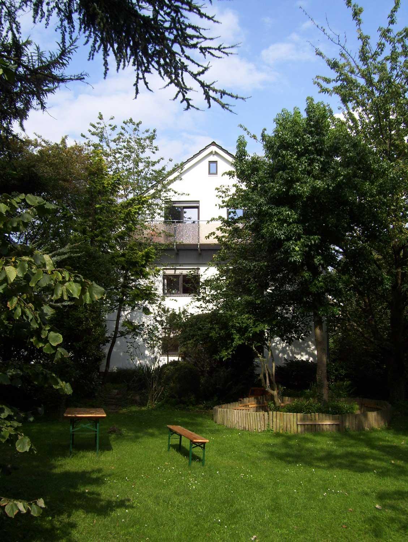 Blick auf die Pension Peukert vom Garten