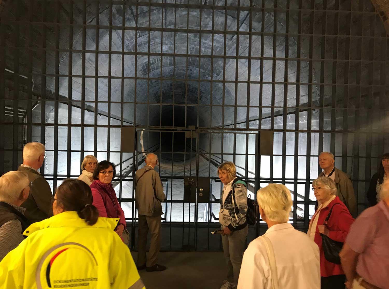 Das Bild zeigt den Eingang zum Regierungsbunker
