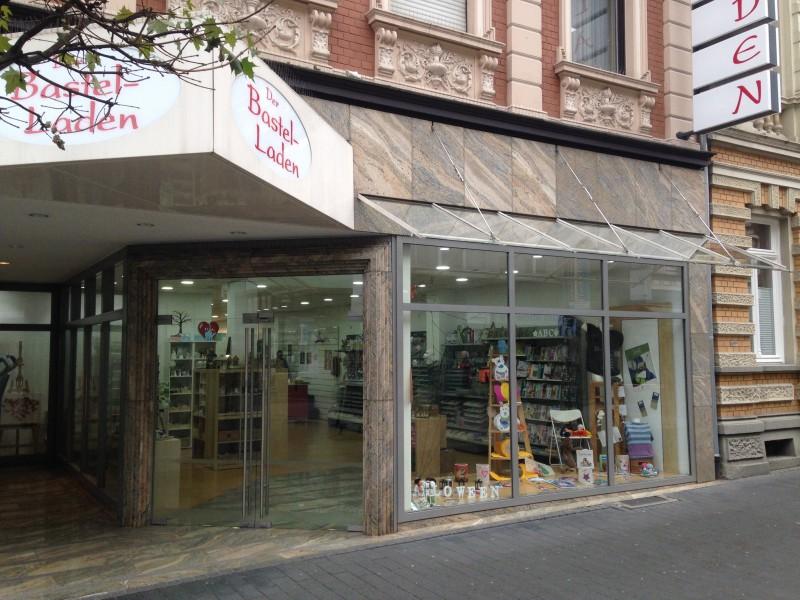 Das Bild zeigt die Ladenfront vom Bastel-Laden Siegburg
