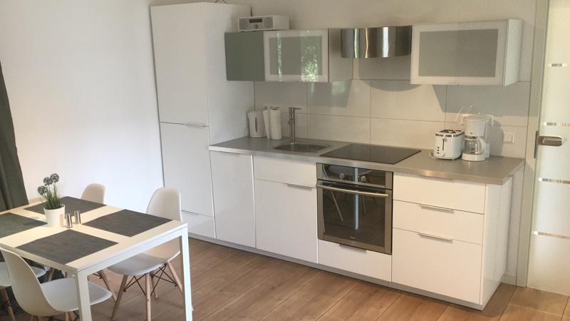 Auf dem Bild ist die Küche der Ferienwohnung Fecke zu sehen