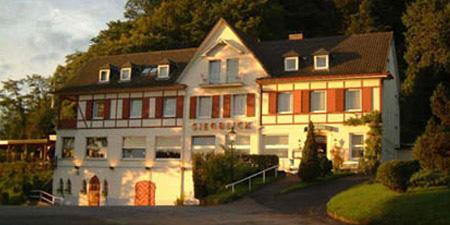 Blick auf das Hotel und Restaurant Siegblick