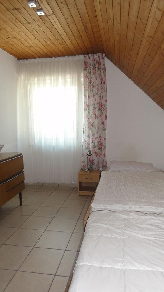 Das Bild zeigt die 2 Einzelbetten der Ferienwohnung Thamm