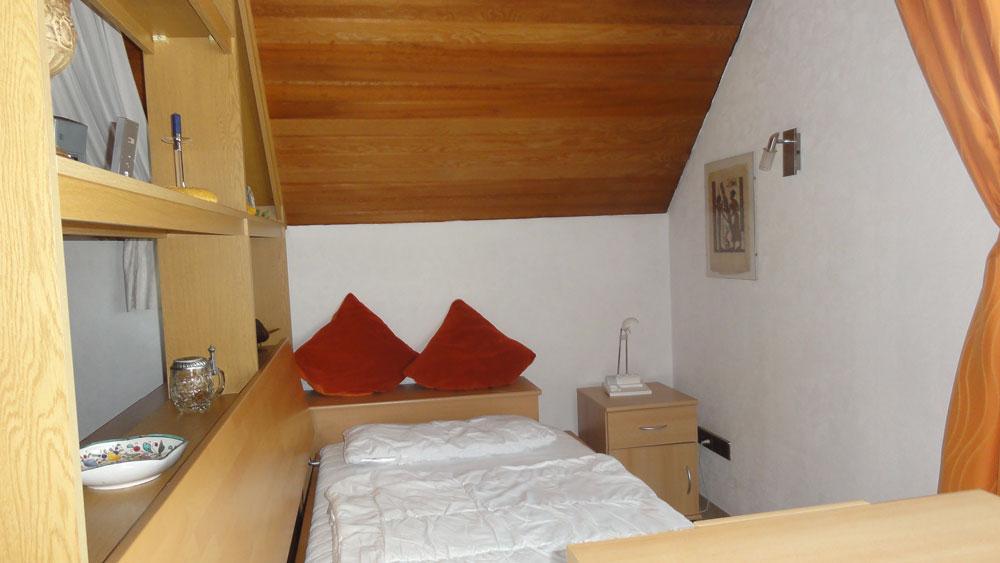 Das Bild zeigt ein weiteres Schlafzimmer der Ferienwohnung Thamm
