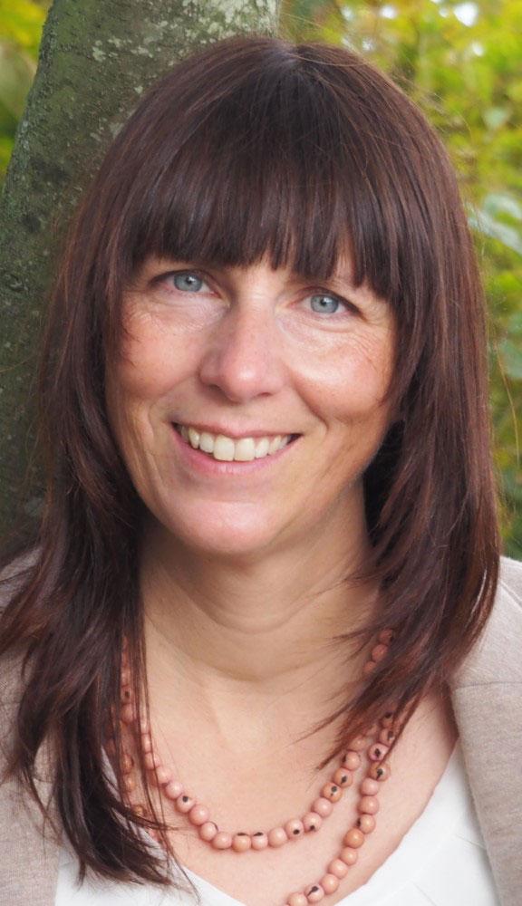 Portraitbild von Kirsten Gerhardt von Achtsamkeitskonzepte