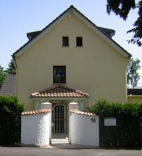 Das Bild zeigt das Gebäude der Kanzlei Helser