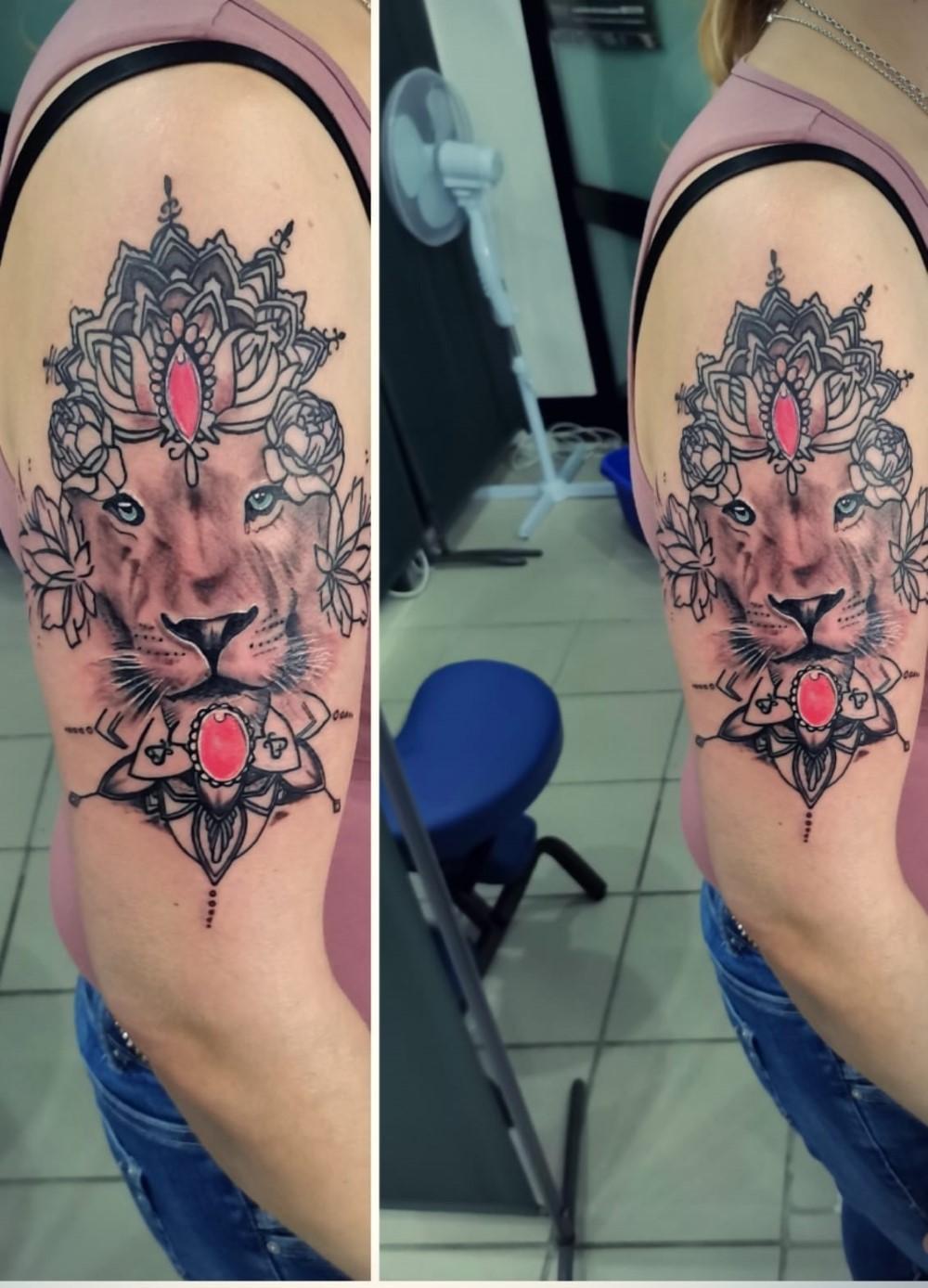 ROYAL ROXX - Tattoo und Piercing Studio - Beispiele