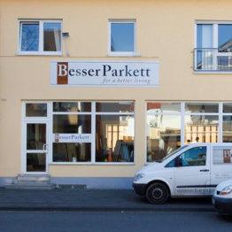 Das Bild zeigt das Geschäftshaus von Besser Parkett in Siegburg
