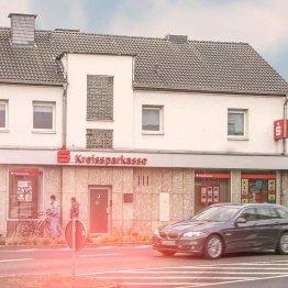 Auf dem Bild ist die Filiale der Kreissparkasse in Siegburg Kaldauen zu sehen