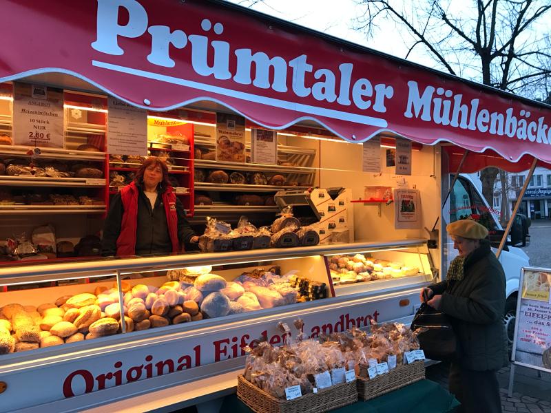 Das Bild zeigt den Stand vom Prümtaler Mühlenbäcker