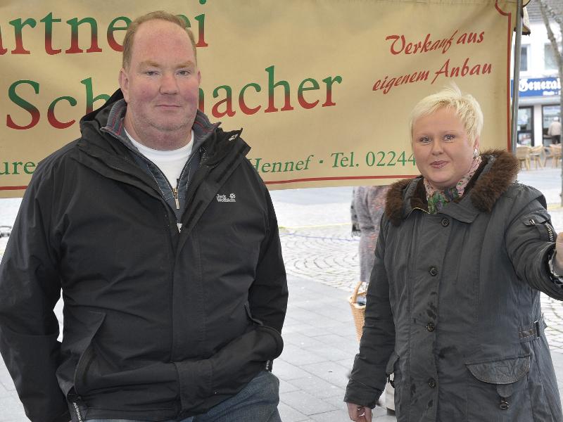 Auf dem Bild sieht man den Inhaber des Stands - Thomas Schumacher
